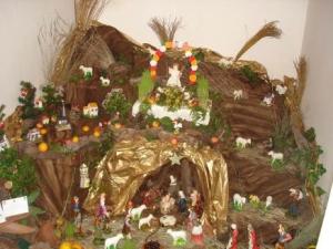 Uma lapinha português, achada em http://pontadosol.wordpress.com/2007/12/27/presepio-cecilia-santos/