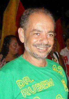O médico Rubem Moreira, que também atua no SAMU 192, é conhecido e muito querido em Itapetinga e região. (Foto do Perfil Pessoal no Facebook)