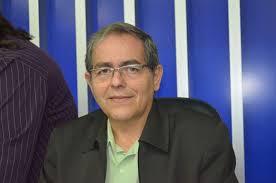 O prefeito sentiu a saída de Miguel Felício (PCdoB). Miguel também queria ficar. Estava fazendo um bom trabalho,