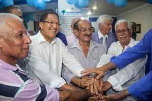 Líderes da oposição em Itabuna dão-se as mãos na inauguração da sede do DEM