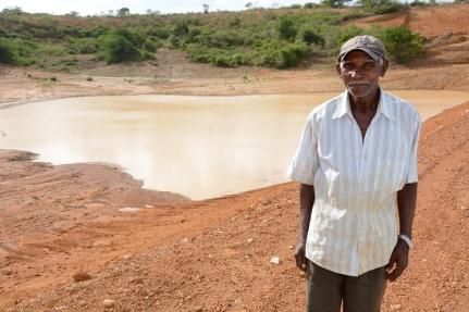 Morador da zona rural comemora água nas barragens