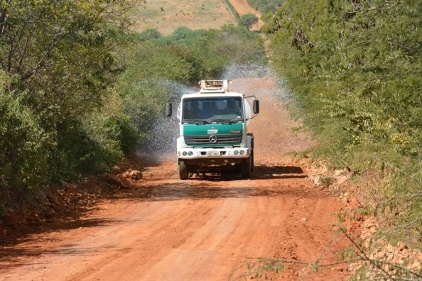 Caminhão estrada Bate Pé