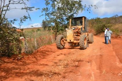 Trabalho da PMVC nas estradas do interior